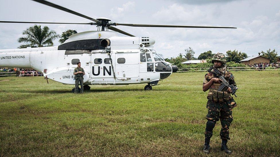 L'hélicoptère du secrétaire général de l'ONU atterrit avant une visite dans un centre de traitement d'Ebola à Mangina, province du Nord-Kivu, le 1er septembre 2019