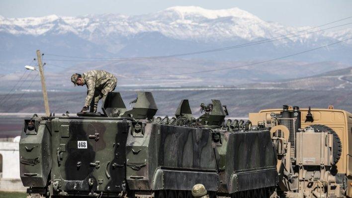 تركيا أرسلت بتعزيزات عسكرية كبيرة إلى شمال سوريا