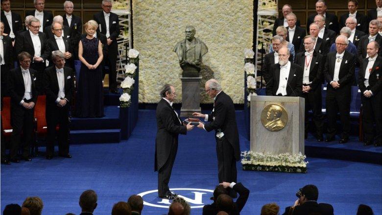 Levitt compartió el Premio Nobel de Química junto a Martin Karplus y Arieh Warshel en 2013.
