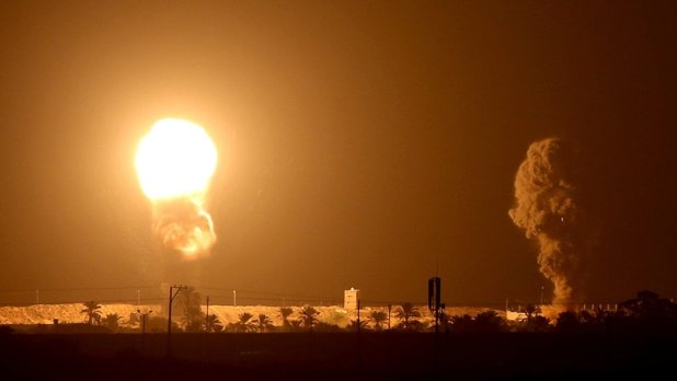 Flames from Gaza Strip after Israeli strike (16 September 2020)
