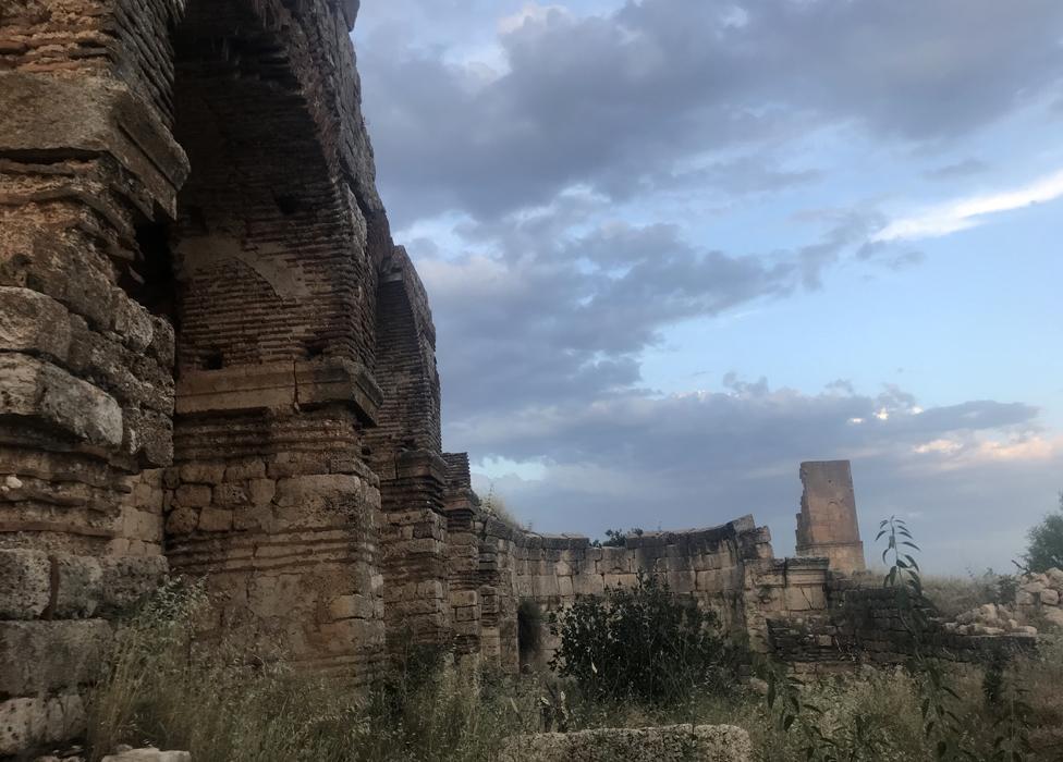 La catedral en ruinas de Hah.