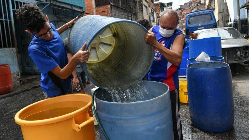 """113393549 agua - Qué hay detrás de la """"fiebre"""" por excavar pozos en los edificios residenciales de Caracas"""