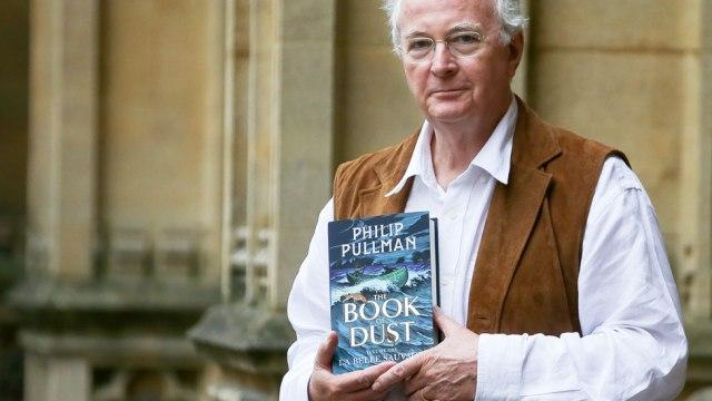 Pullman's plea to save school libraries