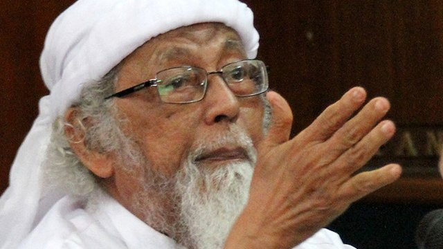 Indonesia reviews release of radical cleric Abu Bakar Ba'asyir