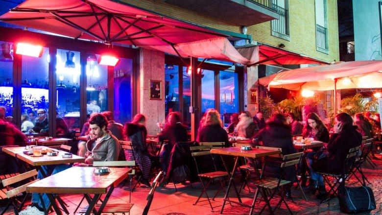 Bar en Milán.