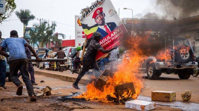 Protests after the arrest of Bobi Wine in November 2020