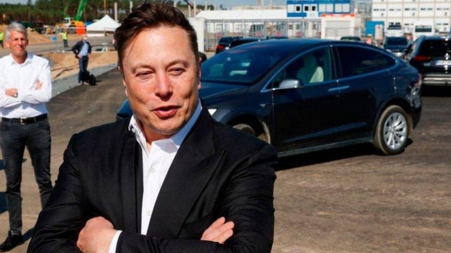 Elon Musk sent letter asking him to invest in Swindon - BBC News