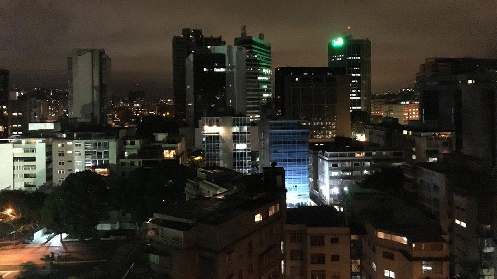 La inseguridad ha arruinado la vida nocturna de Caracas y son pocos los que se atreven a salir de noche.