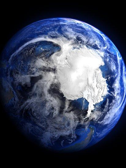 Una foto espacial de Antártica.