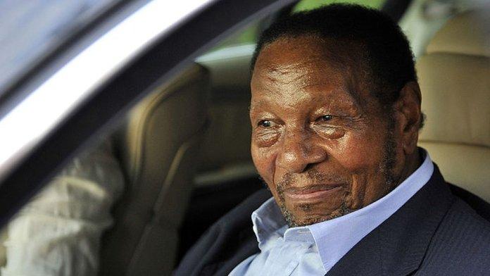 27 जनवरी 2011 को दक्षिण अफ्रीका के जोहानसबर्ग के मिलपार्क अस्पताल में रिचर्ड मैपोनी।