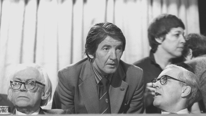 Dennis Skinner with Michael Foot and Tony Benn in Blackpool, in 1980