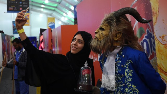 Saudi Arabia to allow cinemas to reopen from early 2018