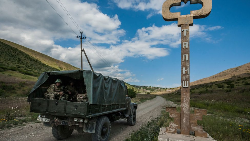 Nagorno-Karabakh troops near the border (file pic)