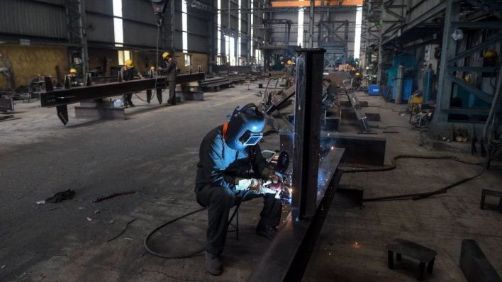 coronavirus: can india replace china as world's factory? - bbc news