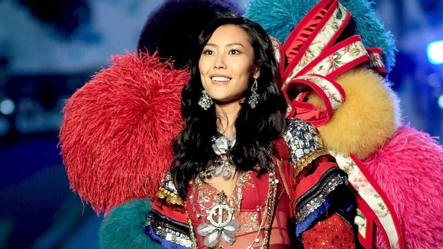 Liu Wen: China supermodel's new year message sparks row