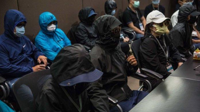 12 हांगकांग के बंदियों के रिश्तेदारों ने 12 सितंबर, 2020 को हांगकांग में एक प्रेस कॉन्फ्रेंस की।