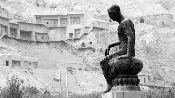 Estatua de Kumarajiva
