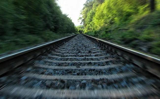 पाकिस्तान ट्रेन टक्कर में 30 से अधिक मृत: पुलिस