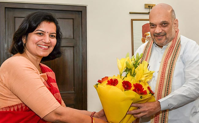 Former IAS Officer Joins BJP In Amit Shah's Presence