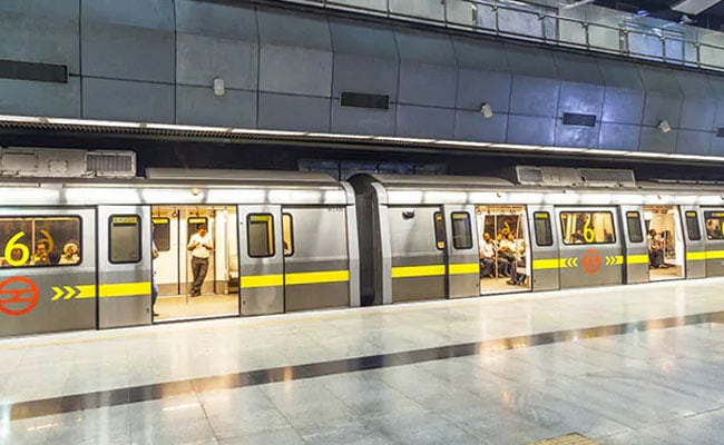 Delhi Metro Advises Commuters To Complete Journey By 10 PM Over Night Curfew
