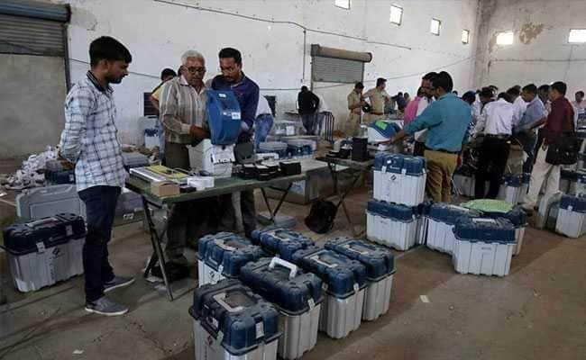 டெல்லி சட்டமன்ற தேர்தல் முடிவுகள் : வாக்கு எண்ணிக்கை தொடக்கம்   Live Delhi  Election Results 2020: Amit Shah Or Arvind Kejriwal? Counting At 8 Am: 10  Points - NDTV Tamil
