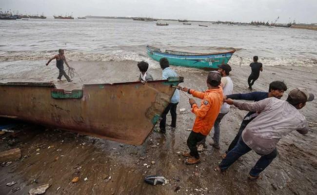 श्रीलंका ने सभी 54 भारतीय मछुआरों को इस सप्ताह गिरफ्तार किया: रिपोर्ट