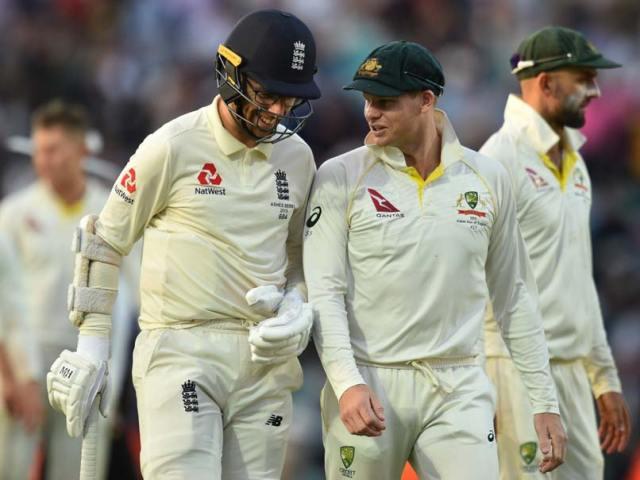 Steve Smith With Greatest Batsman Of This Generation: Somerset Cricket Trolls Australian