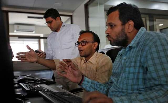 Sensex, Nifty Decline; Banks Fall On RBI's Rising Bad Loans Warning