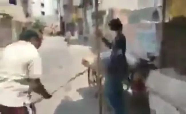 Delhi Man Thrashes Street Vendor After Demanding Identity Card, Arrested