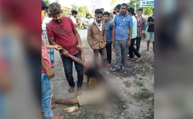 """""""क्रूर"""" भीड़ ने असम के जोरहाट जिले में 2 युवकों पर हमला किया, 1 को मार डाला"""