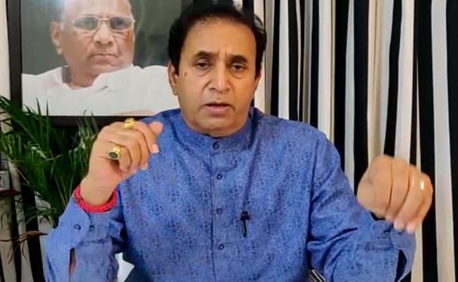 """महाराष्ट्र मंत्री की """"व्हाट्सएप यूनिवर्सिटी"""" बीजेपी की नई ऑनलाइन अभियान योजना में जिबे"""