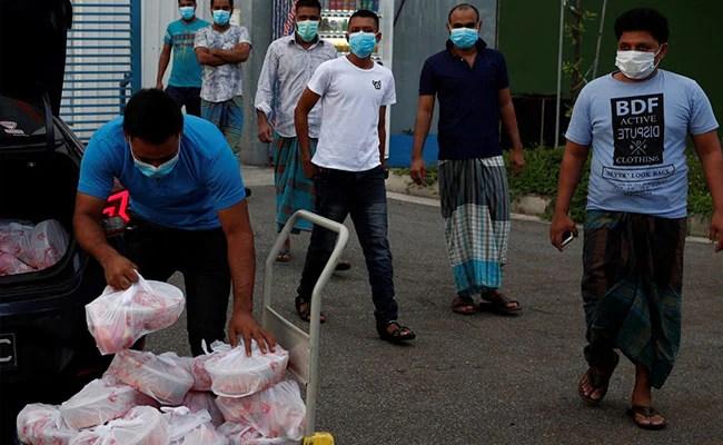 ईद पर 600 प्रवासियों के लिए सिंगापुर बिजनेसमैन की बिरयानी दावत