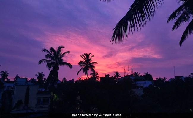 Cyclone Amphan के जाने के बाद आसमान ने बदला रंग, हो गया गुलाबी और बैंगनी - देखें Video