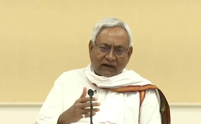 15 साल के विधानसभा सत्र के अंत में नीतीश कुमार बनाम तेजस्वी यादव