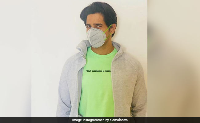 "Accidentally Fashionable Sidharth Malhotra Shares A Pic From His ""New Normal Lifestyle"""