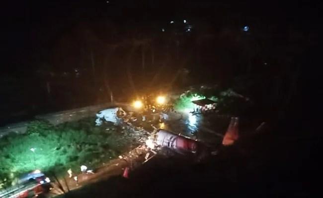 """बोइंग 737 केरल में """"टेबलेटटॉप एयरपोर्ट"""" पर स्किड किया गया, केंद्रीय मंत्री कहते हैं"""