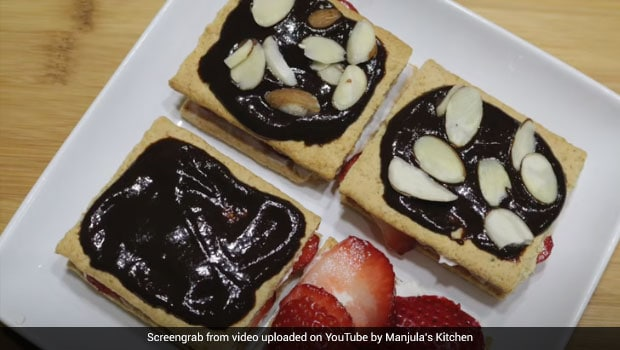 Watch: This 3-Minute Fruit And Cracker Dessert Is All About Indulgence (Recipe Video Inside)