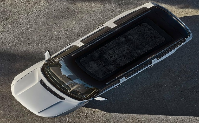The new Jeep Wagoneer will get one of the biggest sunroofs in the market.