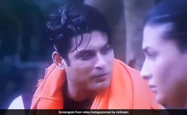 Gauhar hands over Siddharth Shukla to the task, the actor said- Don't touch me, my girlfriend is at home ... Watch Video
