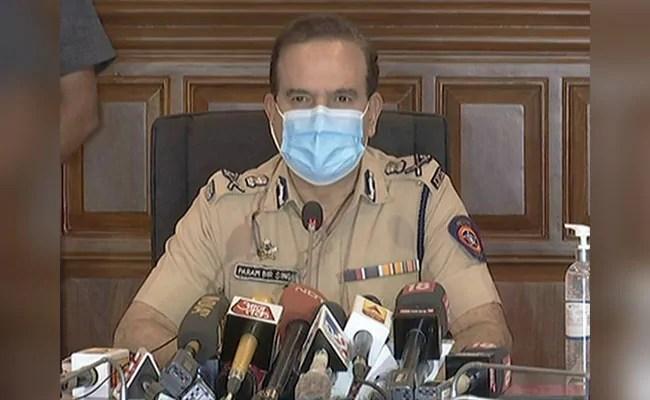 Republic TV Executive Editor, Reporter Summoned By Mumbai Police In Fake Ratings Racket