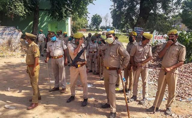 उत्तर प्रदेश: घर में घुसकर दिखाई बंदूक, फिर किया लड़की के साथ गैंगरेप