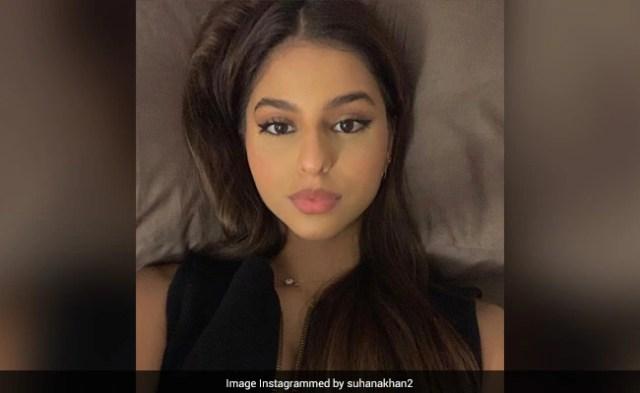 सुहाना खान ने ब्लैक ड्रेस में शेयर की सेल्फी, अमिताभ बच्चन की नातिन नाव्या ने कहा- बंद करो...देखें Photo