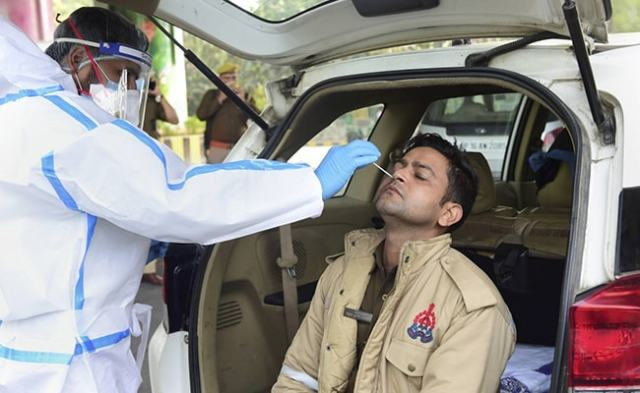Noida Begins Random COVID-19 Tests At Borders For People Coming From Delhi