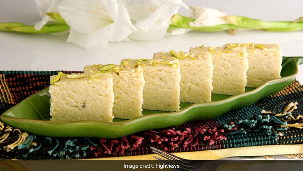 Diwali 2020 Recipe: Prepare Halwai-Style Kalakand At Home With Just 2 Simple Ingredients (Watch Video)