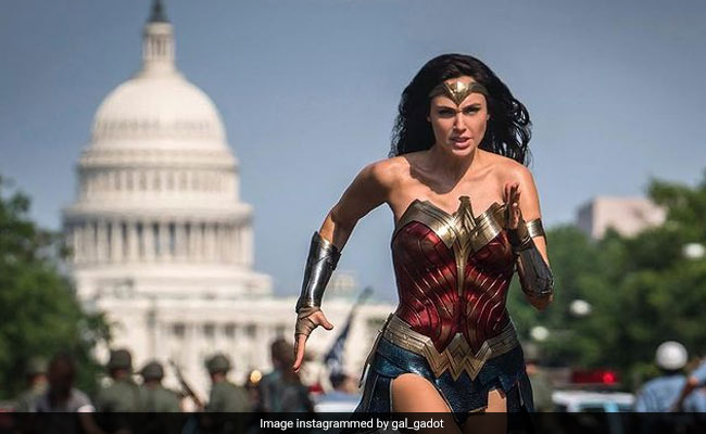 Wonder Woman 1984 Review: Sequel Floats On One Wing - The Returning Gal Gadot