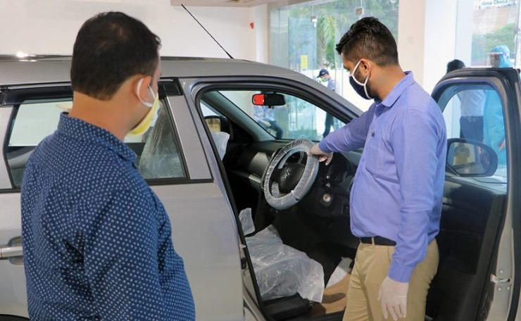 FADA says, if dealerships can sell cars online, RTOs can also do registrations on the Vaahan digitally