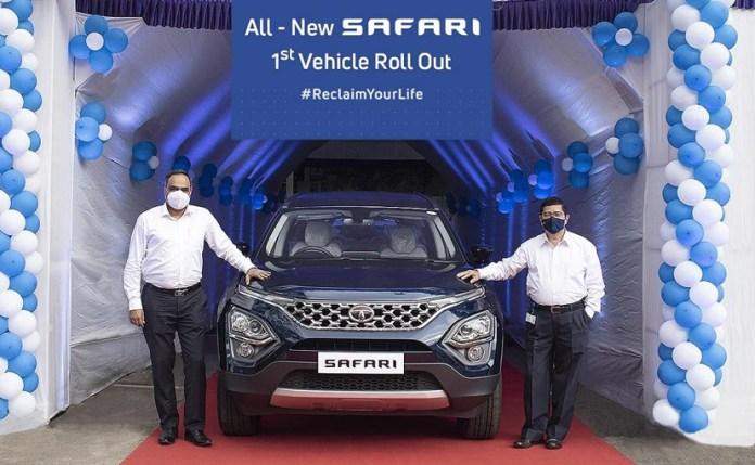 (L-R) Shailesh Chandra, President, PVBU, & Rajendra Petkar, President & CTO, roll out the new Safari