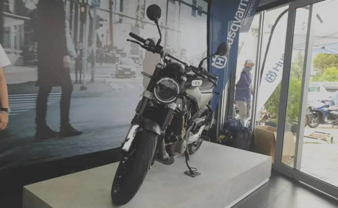 मेड-इन-इंडिया हुस्क्वर्ना स्वार्टपिलन 401 मलेशिया में लॉन्च किया गया