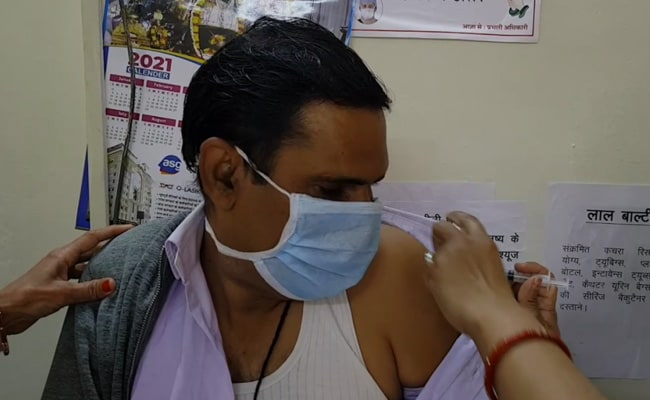Central Government Advises Employees Who Are 45 And Above To Get Vaccine
