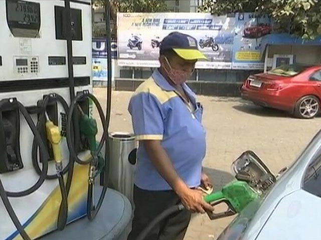 Petrol retails above Rs. 112 per litre mark in Sri Ganganagar and Anuppur districts